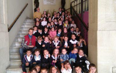 Els alumnes de 1er i 2on de primària visiten l´Ajuntament