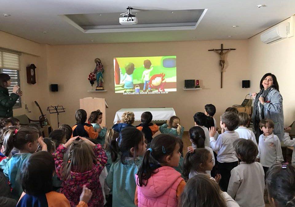 Els nens i nenes d'infantil plenament solidaris