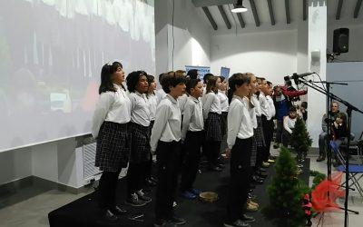 Los alumnos de quinto del Juan XXIII quedan terceros en el certamen anual de villancicos de COPE ALCOY