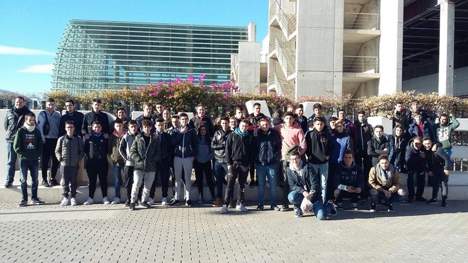Els alumnes d'electromecànica en la Fira de l'Automòbil de València
