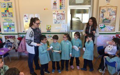 Los alumnos/as de 5 años participan en un taller de alimentación saludable