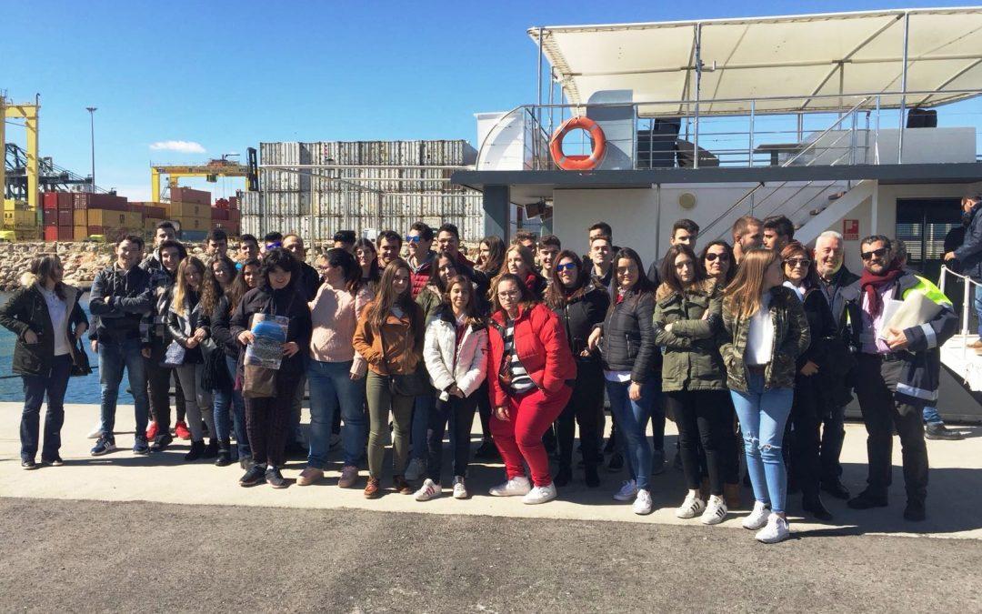 Los alumnos de Gestión Administrativa y Actividades Comerciales visitan Valenciaport, la Autoridad Portuaria de Valencia