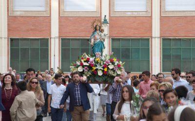 Ofrenda de Flores a la Virgen Auxiliadora en la fiesta externa