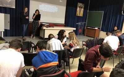 Los alumnos de 1º FPB asisten a una charla sobre el acoso escolar