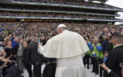 «¡Vosotras, familias, sois la esperanza de la Iglesia y del mundo!»