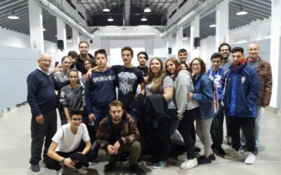 """Los alumnos de FPB de servicios comerciales visitan el CADA, el Àgora y el """"Mercat del Nadal"""""""