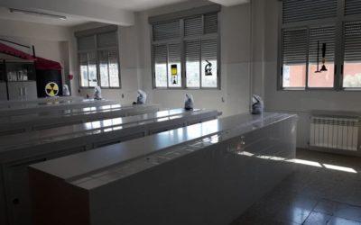 Salesianos Juan 23 renueva su laboratorio