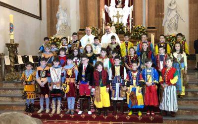 Misa con los glorieros infantiles en Santa María