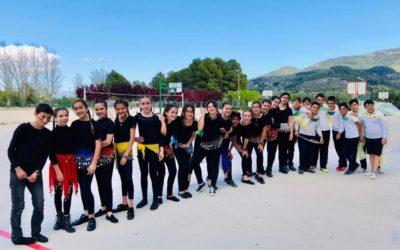 Infantil y Primaria del Juan 23 dan inicio a las fiestas de Alcoy