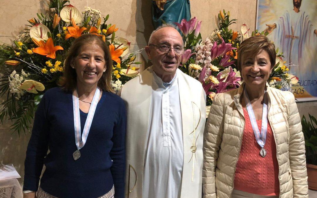 Imposición de medallas a las nuevas asociadas de ADMA