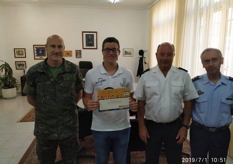 Pepe Sanoguera recibe un premio por su carta literaria