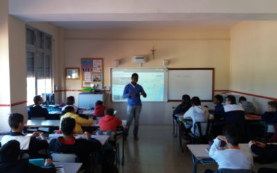 Norbert Mamba (SDB) visita la classe de 3er. d´ESO