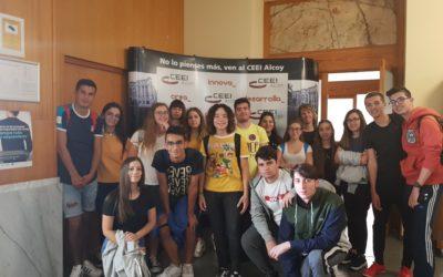 Alumnos de 2º de CFGM de Gestión y A.Comerciales visitan el CEEI