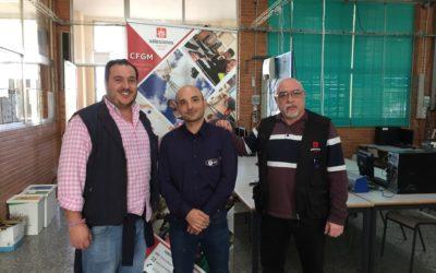 Óscar Delgado, dona equipos al departamento de Telecomunicaciones