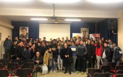 El salesiano Vicente Ferri visita a nuestros alumnos de FPB y CFGM