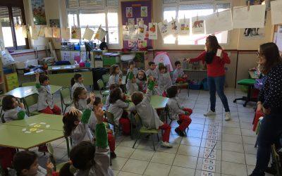 Los alumnos de 5 años disfrutan de un taller de alimentación saludable