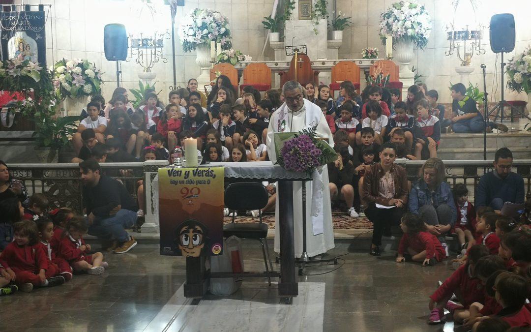 Eucaristía colegial en Honor a Mª Auxiliadora y posterior almuezo